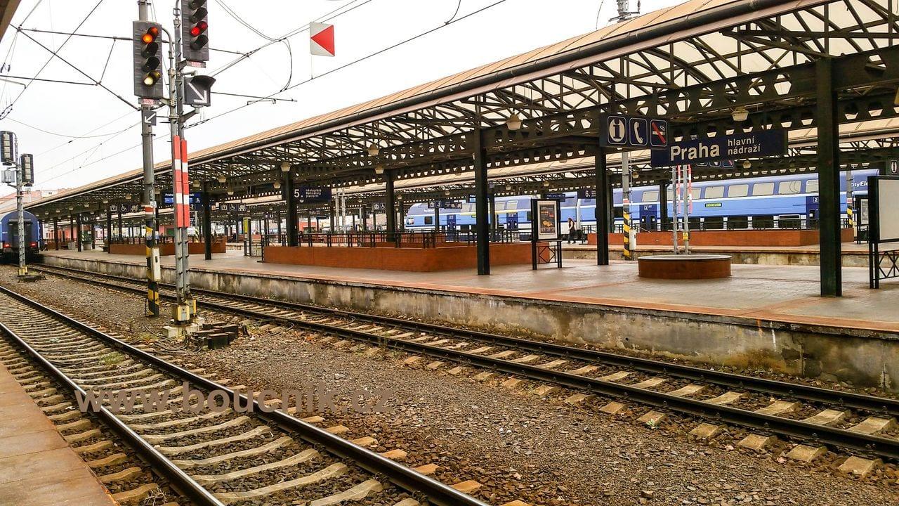 Nástupiště Praha hlavní nádraží