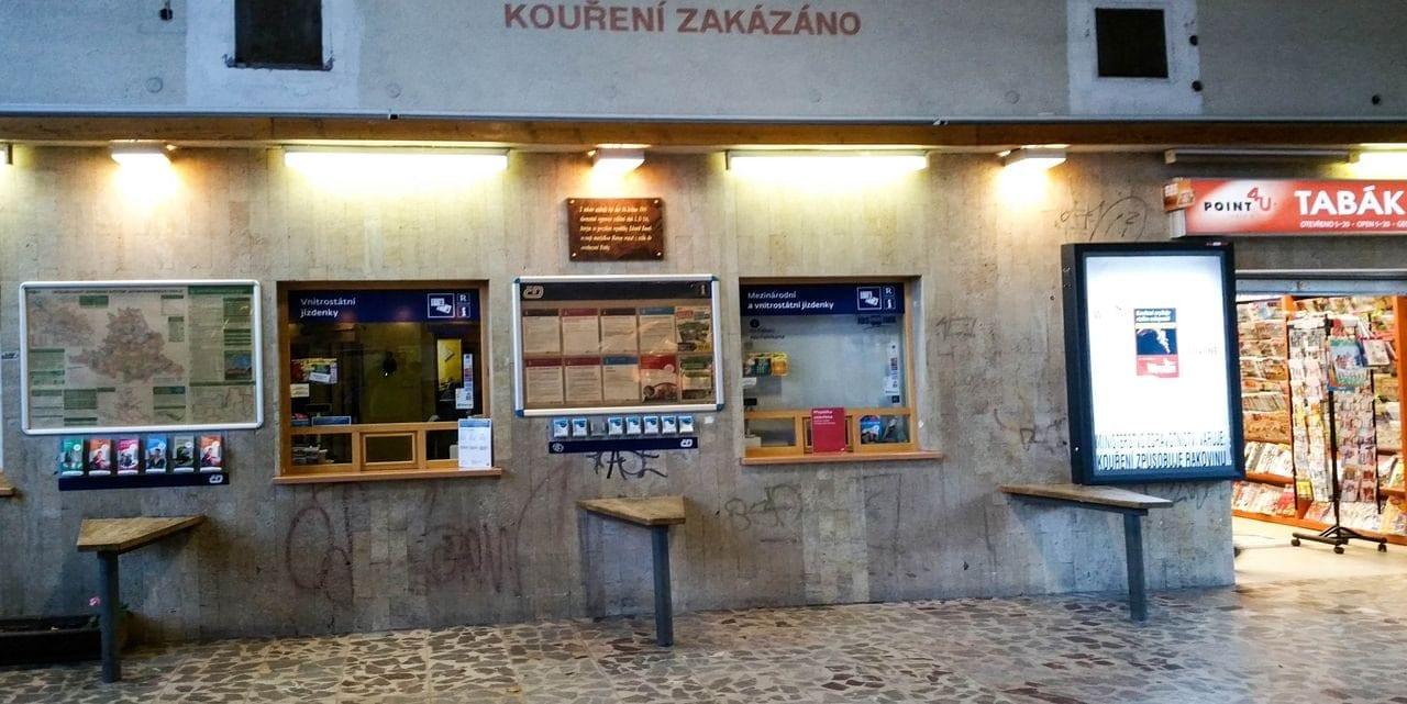 V hale na nádraží v Blansku