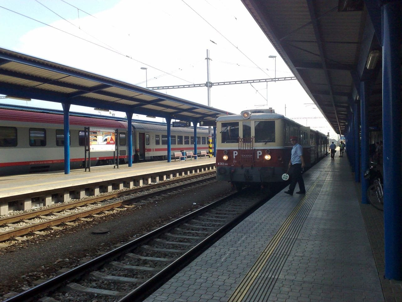 Nástupiště nádraží v Břeclavi