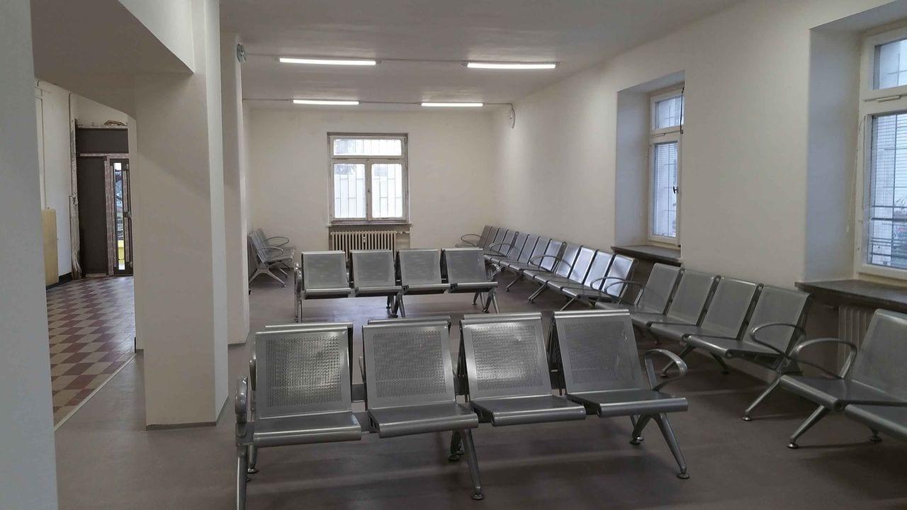 Čekárna a pokladny na Dolním nádraží v Brně