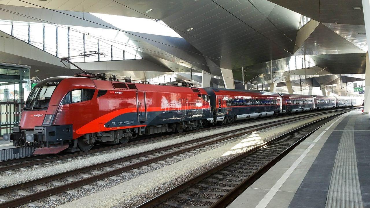 Nástupiště na Vídeňském nádraží