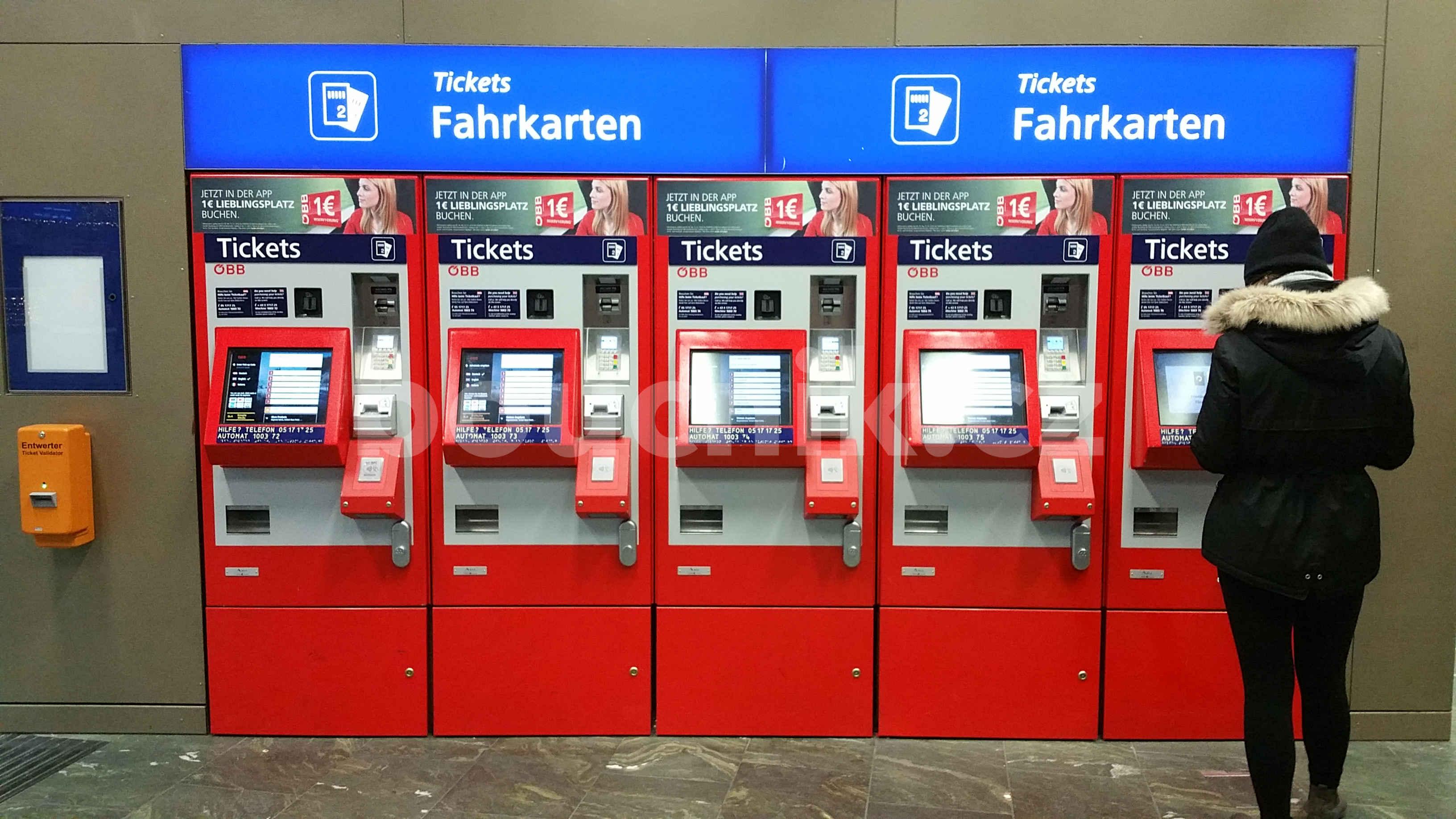 Automaty na jízdenky na nádraží Vídeň