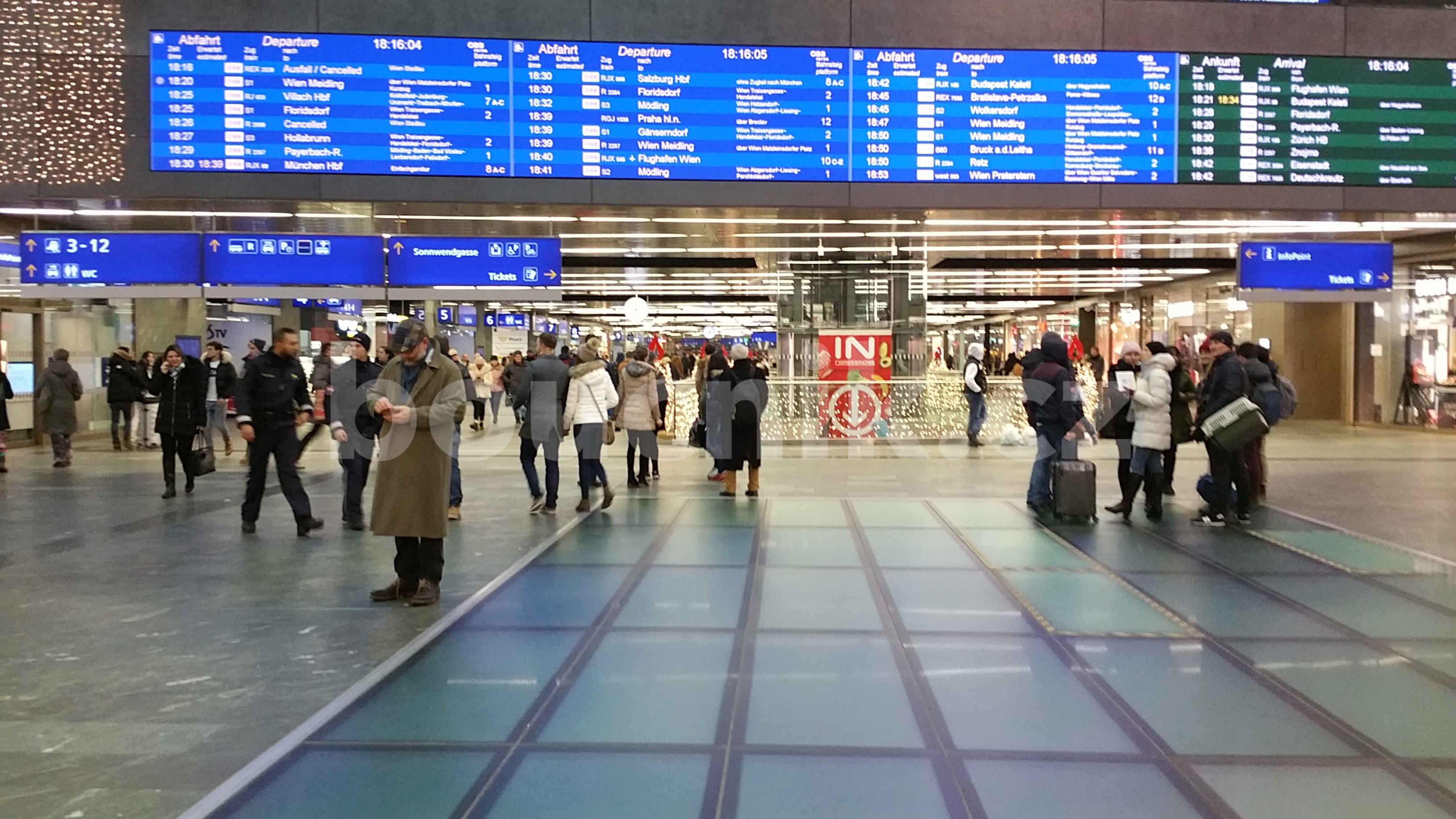 Přístup k vlaků na Vídeńském nádraží