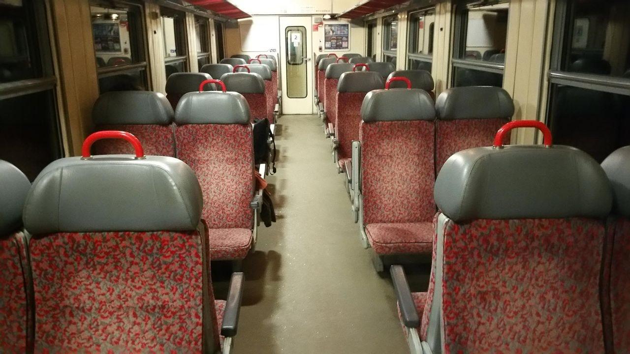 Motorový osobní vůz 854, sezení