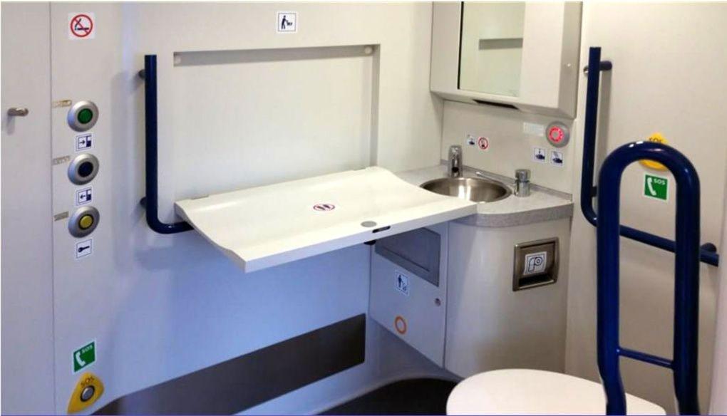 Záchod a přebalovák ve voze RegioPanter 640