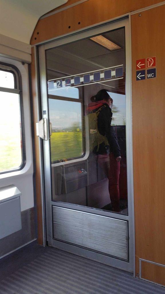 Vnitřní dveře vozu Bpmmbdz 284