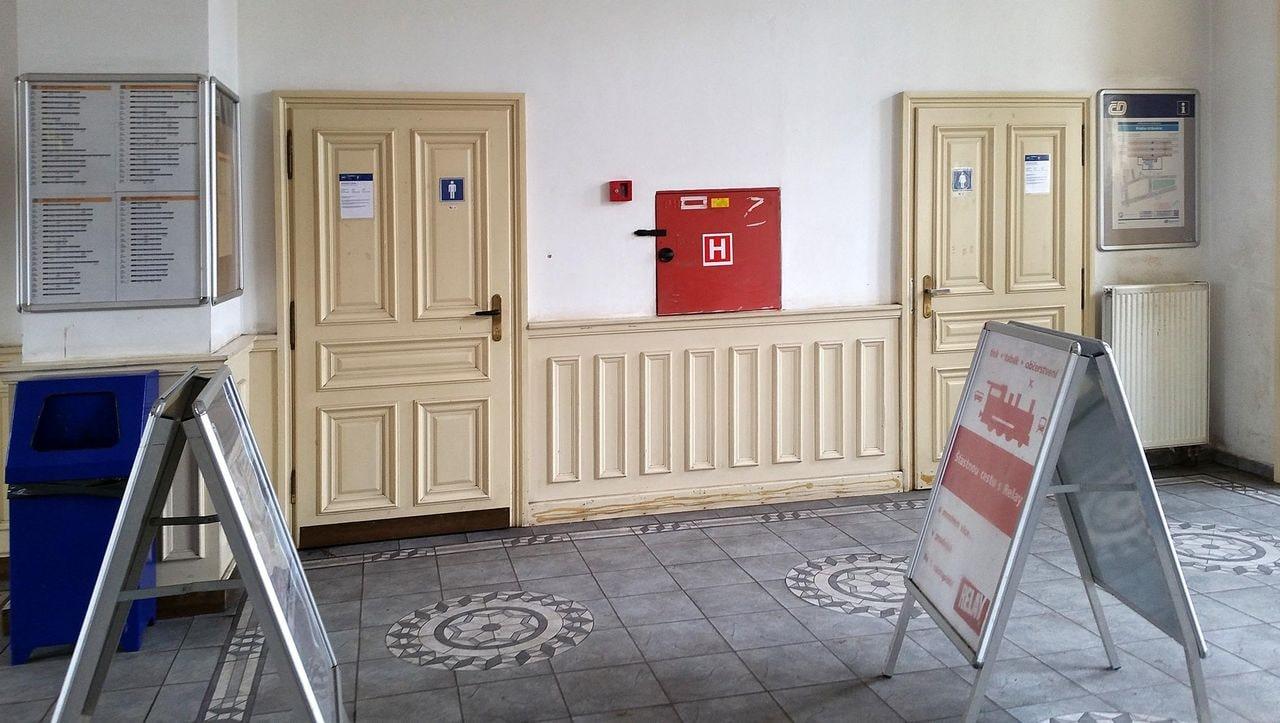 WC na záchodě v Praze Vršovicích