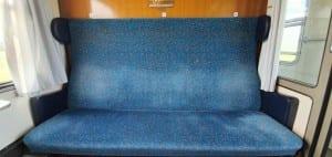 Sedadla vozu Bee 243