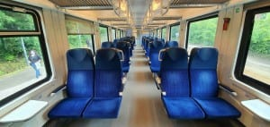 Sedadla ve voze 295