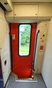 Dveře vozu 295