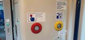 Jak otevřít dveře ve vlaku