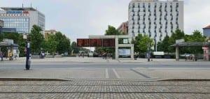 Před nádražím v Olomouci
