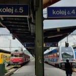 Nástupiště v Praze na Msarykově nádraží