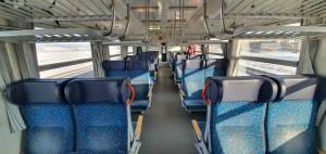 Sedadla ve voze Bdtee 276