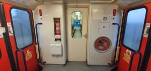 Vnitřní dveře vozu Bdmtee 281