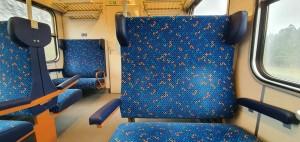 Sedadla vozu Bdmtee 281