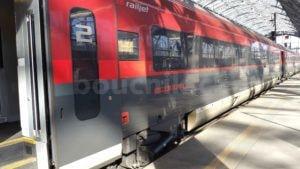 RailJet v červeném provedení