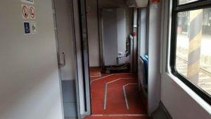 Popis záchodu ve voze 843