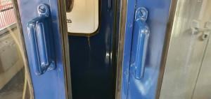 Mezivozové dveře vozu BDs 449