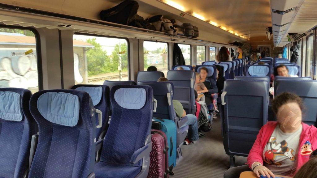 Sedadla ve voze Bpmmbdz 284