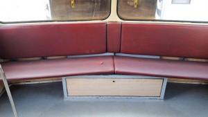 Sedadla ve voze Btax 780