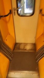 Mezivozové dveře vozu 814