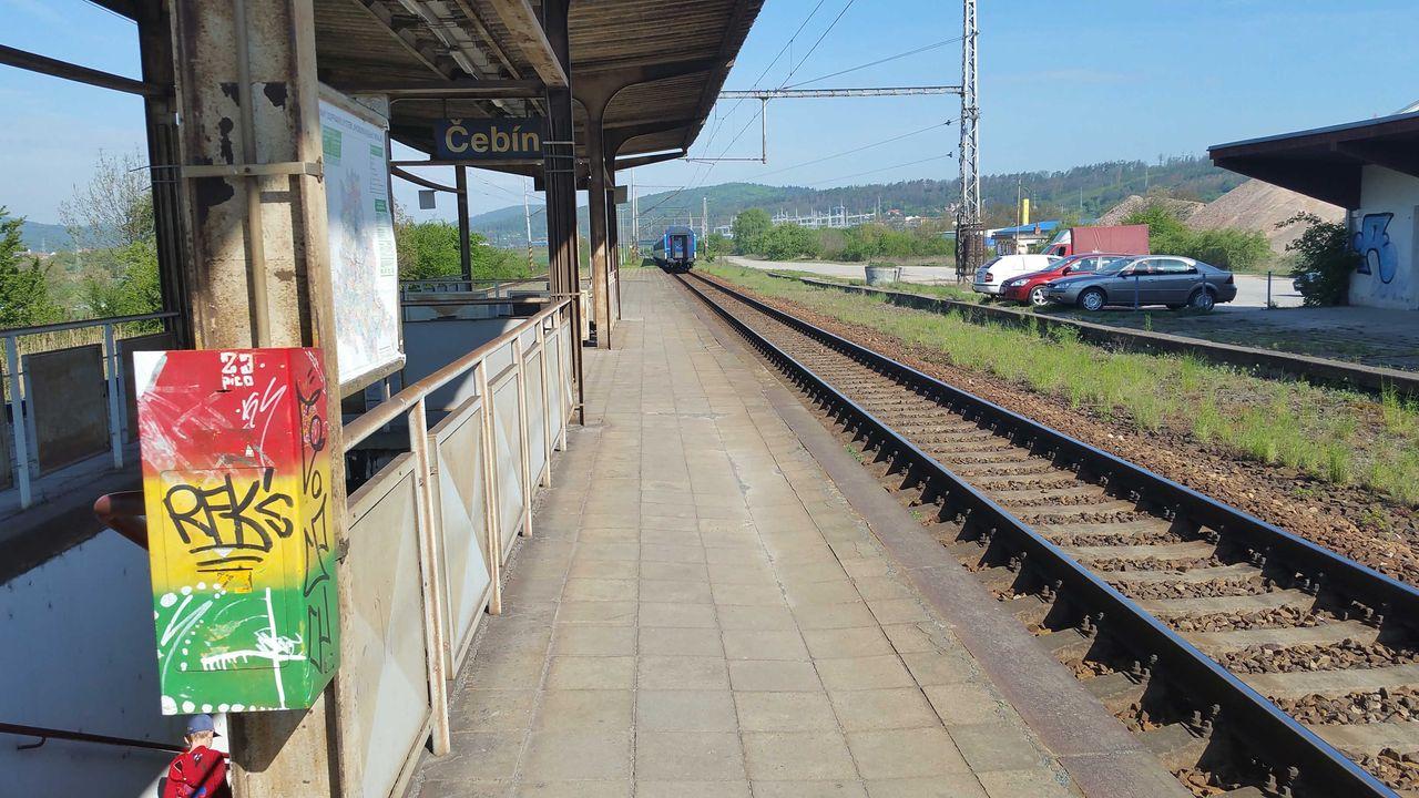 Čebín - nástupiště