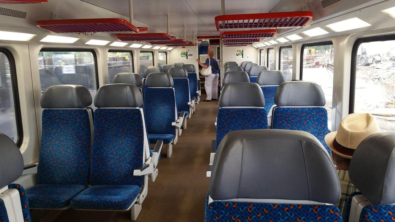 Sedadla ve voze CityElefant 071
