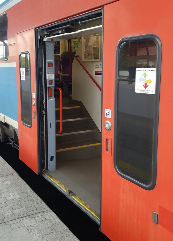 Dveře vozu CityElefant 071
