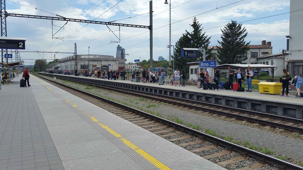 Nástupiště na 1.koleji brněnského dolního nádraží