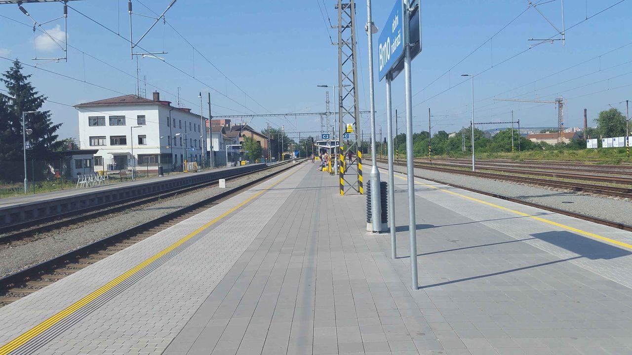 Brněnské dolní nádraží - ostrovní nástupiště