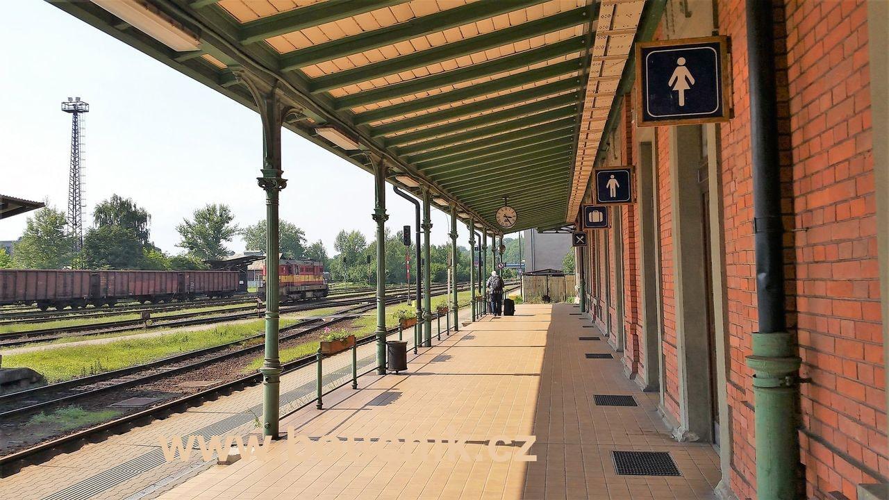 1.nástupiště na nádraží ve Frýdku-Místku