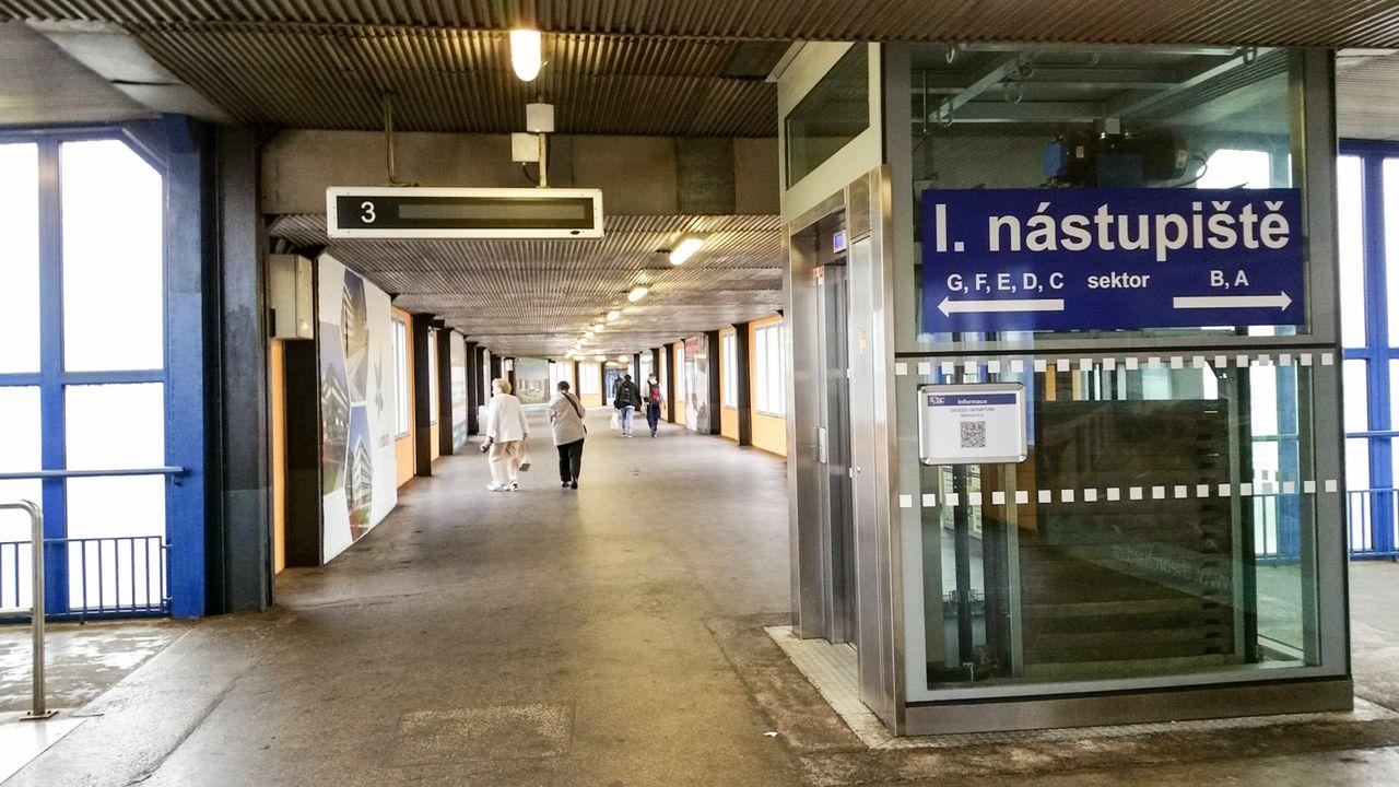 Nadchod k 1. a 2.nástupišti, Ostrava hl.n.