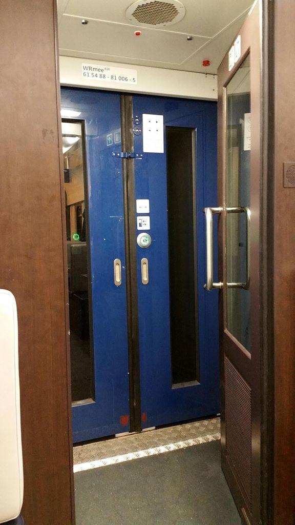 Dveře vozu WRmee 816