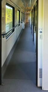 Chodbička vozu Bbdgmee 236