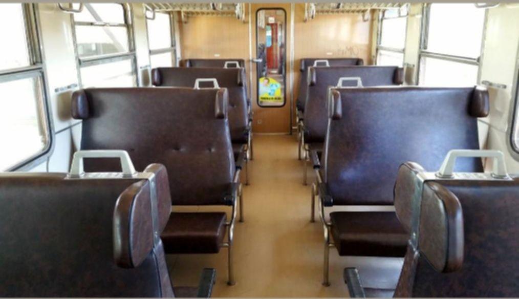 Sedadla ve voze Bdt 279