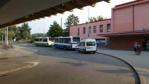Před nádražím Brno Královo Pole