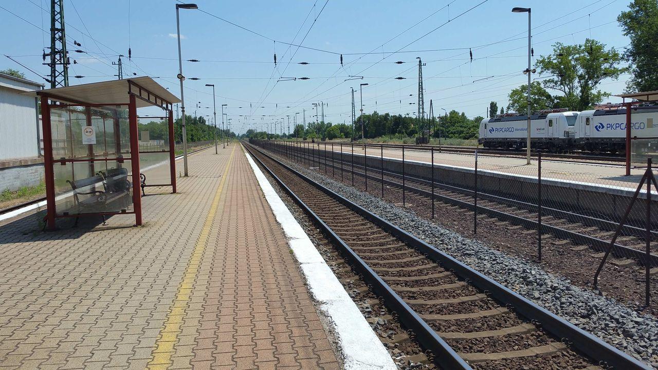 Nádraží a nástupiště Mosonmagyaróvár