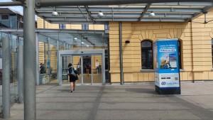 Jižní vstup na nádraží ve Svinově