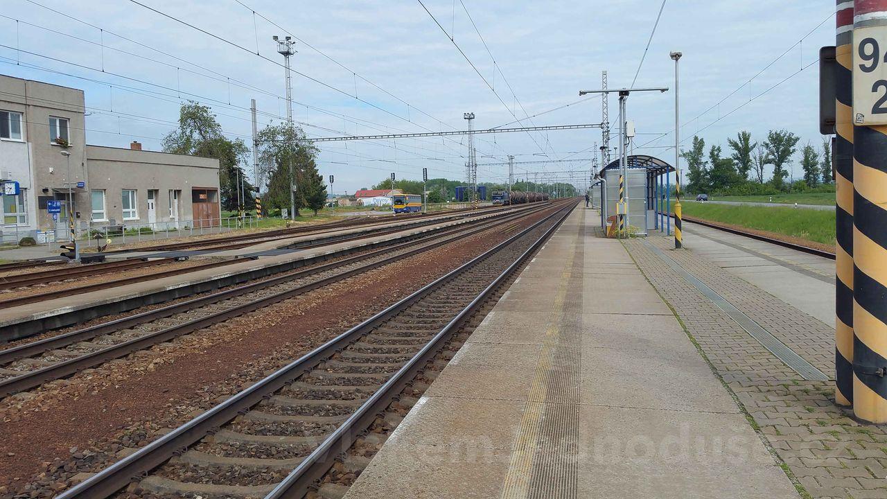 3.nástupiště na nádraží v Podivíně
