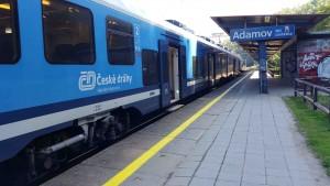 Adamov zastávka - nástupiště směr Brno