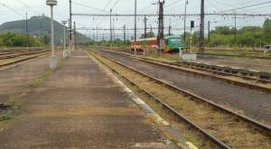 Nástupiště 1B na nádraží v Mostě