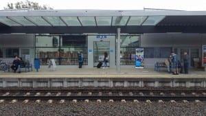 Karlovy Vary, nástupiště u 2.koleje