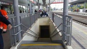 Pohled na nástupiště u 2.koleje