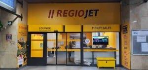 RegioJet v Brně na hlavním nádraží