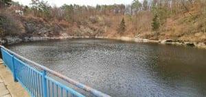 Přírodní koupaliště v obci Luleč