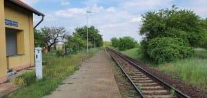 Nástupiště na nádraží Dyje