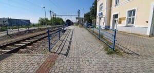 Přístup na nástupiště v Šatově