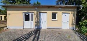 Čekárna a záchody v Šatově