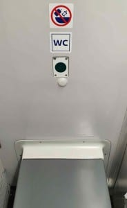 Záchod ve vlaku Pendolino